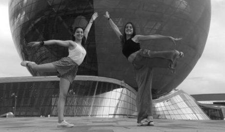 Cristina Sala y Natalia Cholbi, dos gimnastas de la Marina en la Expo Internacional de Astaná (Kazajistán)