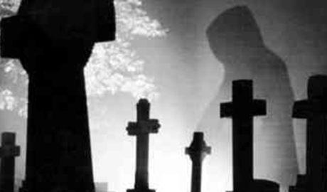 L'home que es va quedar tancat al cementeri