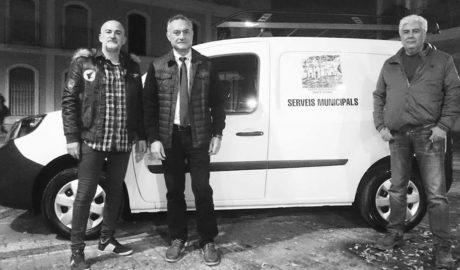 Jesús Pobre incorpora su primer vehículo eléctrico tras convertirse en el primer pueblo de la comarca con estación de recarga