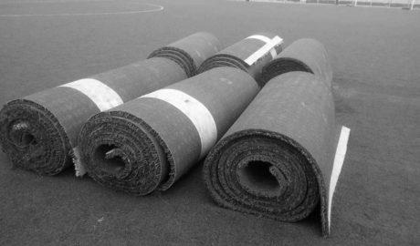 Comienza la instalación de césped artificial de El Rodat que obliga a trasladarse dos meses a la Escuela de fútbol de Dénia