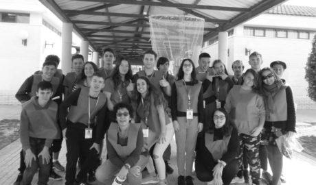 El alumnado del IES Maria Ibars celebra el Día de la Mujer dentro de la Semana Deportiva Violeta