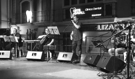 La canción tradicional valenciana se hace moderna en Dénia y ya habla hasta de los whatsapps