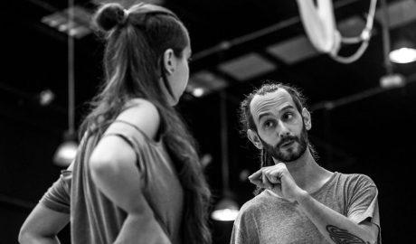 """Amin Sáez, director del espectáculo 'No más bullying': """"Queremos sembrar valientes que cambien el mundo con sus actos"""""""