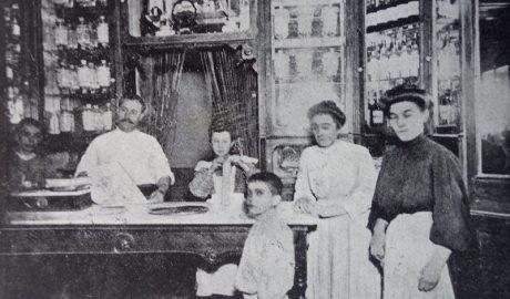 Así fue la pastelería Agulló, que tras 120 años de existencia echa el cierre en Dénia