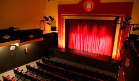 Els alumnes de l'IES Nº1 Xàbia visiten el teatre El Raval de Gandia