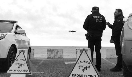 Ejército, Guardia Civil, policías y drones se unen para controlar la llegada de turistas a Dénia